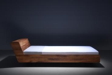 Mazzivo Mobel Outlet I Zeitlose Designerbetten Ab Werk Lugo Designerbett Aus Massivholz