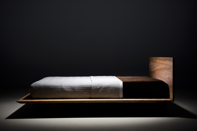 mazzivo m bel outlet i zeitlose designerbetten ab werk slim bett design schlicht modern aus. Black Bedroom Furniture Sets. Home Design Ideas